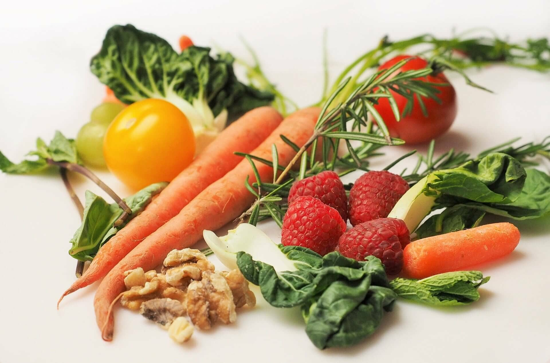 photo of vegetables and other foods that provide good nutrition during pregnancy